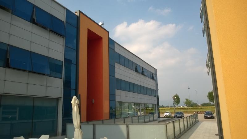Aeroporto Vicenza : Progettazione edifici commerciali ed industriali studio