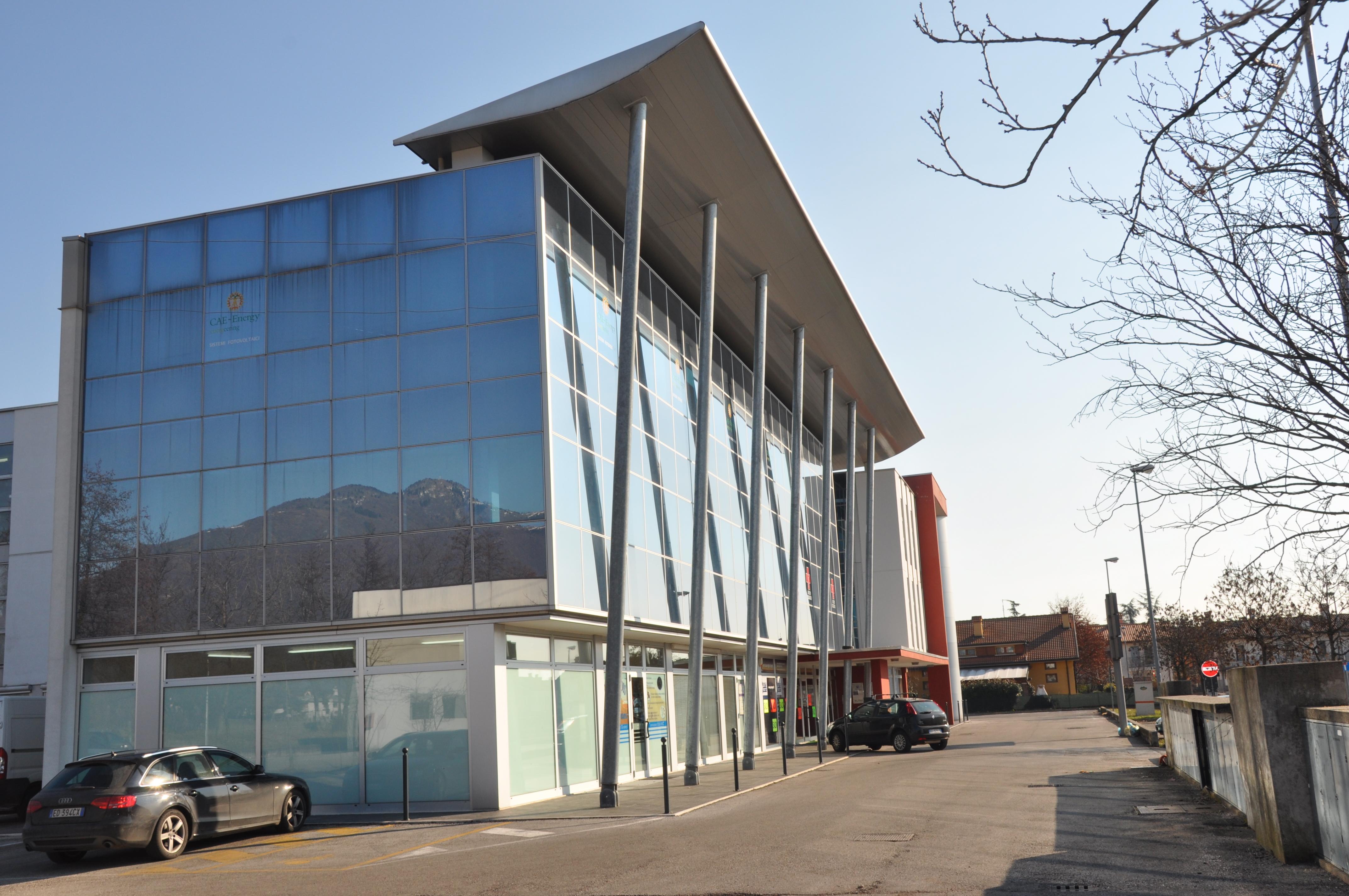 Edificio commerciale a zane 39 vicenza studio pasin for Piccoli piani di progettazione di edifici commerciali